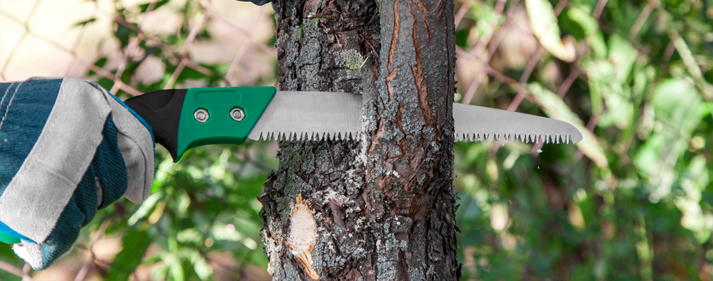 your-garden-tool-guide-all-the-basics-and-more-pruning-saw