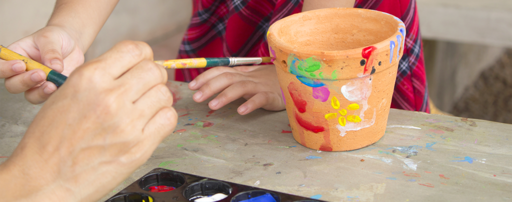outdoor-activities-for-kids-painting-pots